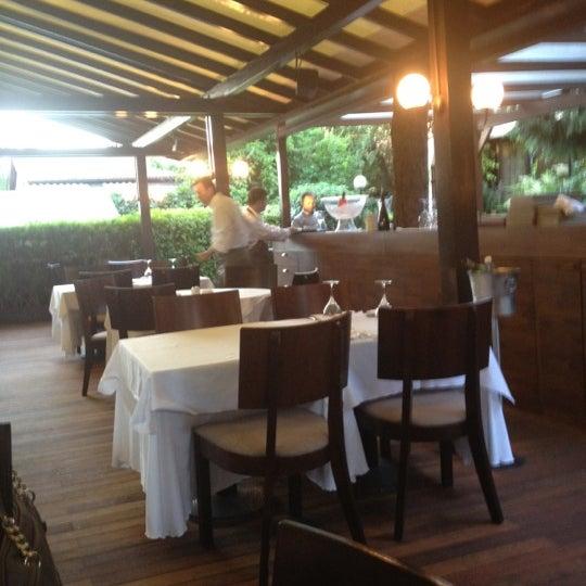 6/21/2012 tarihinde Mustafa D.ziyaretçi tarafından Şans Restaurant'de çekilen fotoğraf