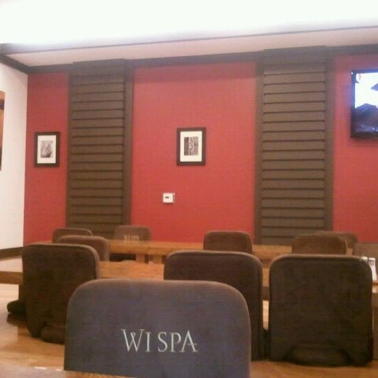 Photo taken at Wi Spa by 오미헤 on 12/13/2011
