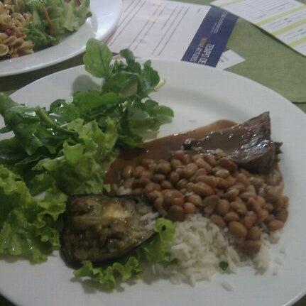 Foto tirada no(a) Limone Restaurante e Café por Thais C. em 11/17/2011