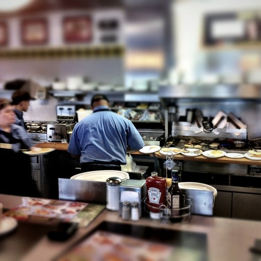 Photo taken at Waffle House by John H. on 3/16/2012