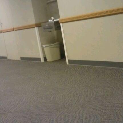 1/9/2012 tarihinde Felicia S.ziyaretçi tarafından Classroom Building'de çekilen fotoğraf