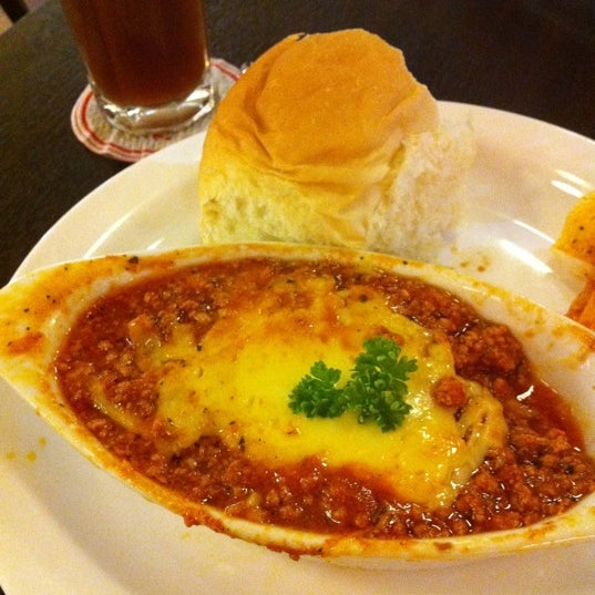 Superb chicken Lasagna!! Must try!! Choc indulge cake also marvelous...