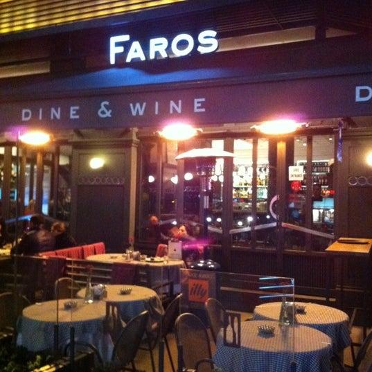 1/22/2012 tarihinde Christine M.ziyaretçi tarafından Faros Restaurant'de çekilen fotoğraf