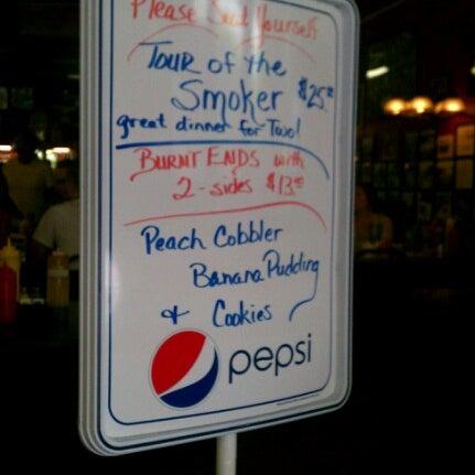 Foto tirada no(a) The Galax Smokehouse por Donald M. em 7/7/2012