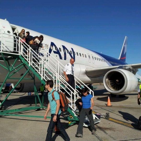 Foto tomada en Aeropuerto Internacional del Neuquén - Presidente Juan D. Perón (NQN) por Diorella P. el 12/24/2011
