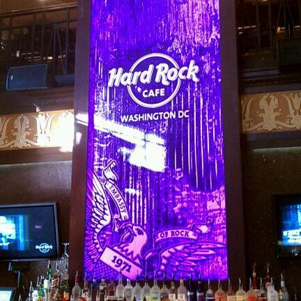 Photo taken at Hard Rock Cafe Washington DC by Ray B. on 3/4/2012