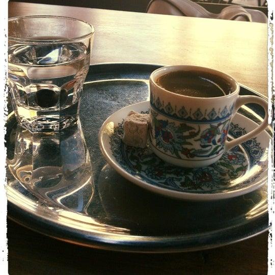 8/30/2012 tarihinde վɑՏҽʍíղ💫ziyaretçi tarafından Faros Restaurant'de çekilen fotoğraf
