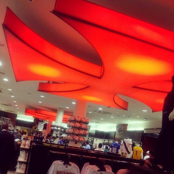 Foto tirada no(a) Vasco Boutique por Thaina M. em 8/5/2012