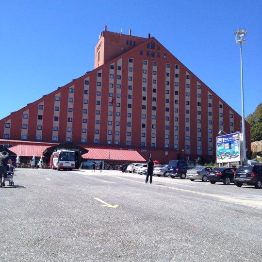 Das Foto wurde bei The Green Park Kartepe Resort & Spa von busrakalyoncudemirdes am 8/30/2012 aufgenommen