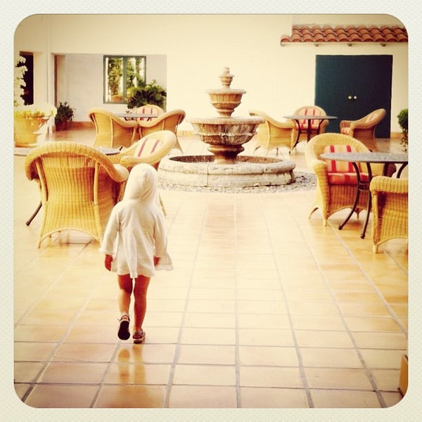 Photo taken at Ojai Valley Inn & Spa by Manny on 8/5/2012