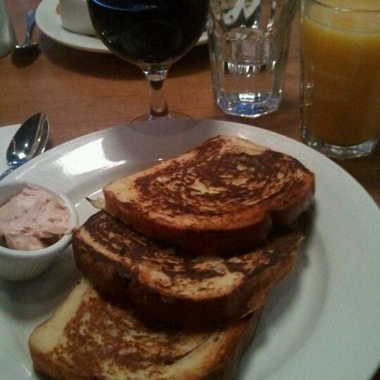 Photo taken at Good Enough to Eat by Luis on 6/24/2012