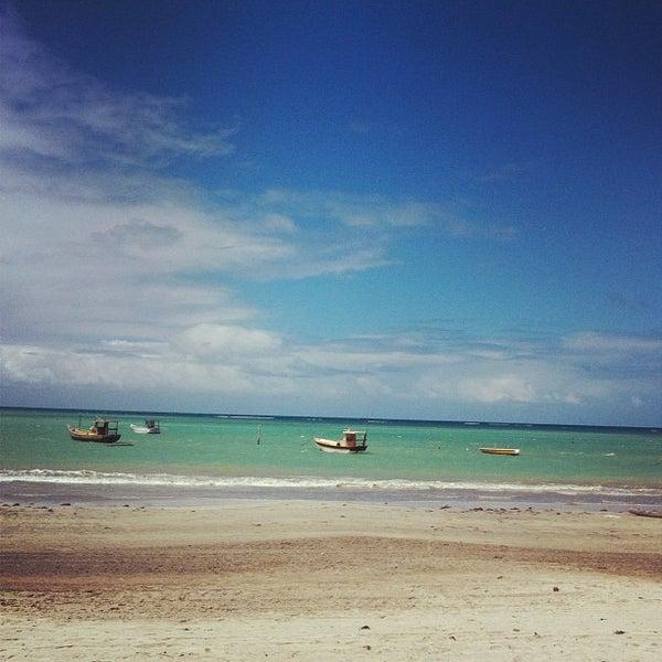 Foto tirada no(a) Praia de Paripueira por Felipe A. em 8/18/2012