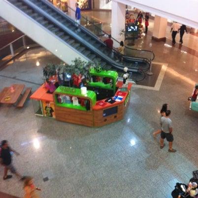 Foto tirada no(a) Via Parque Shopping por Rodrigo S. em 8/4/2012