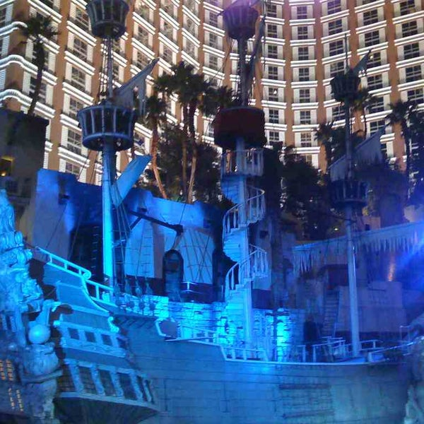 Treasure Island & Buccaneer Bay Is My FAVORITE In Las Vegas!! ♥It's A Pirate's Life For Me!!♥