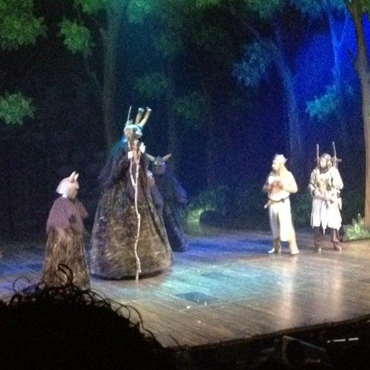 Foto tirada no(a) Teatro Aldama por Dave G. em 3/4/2012