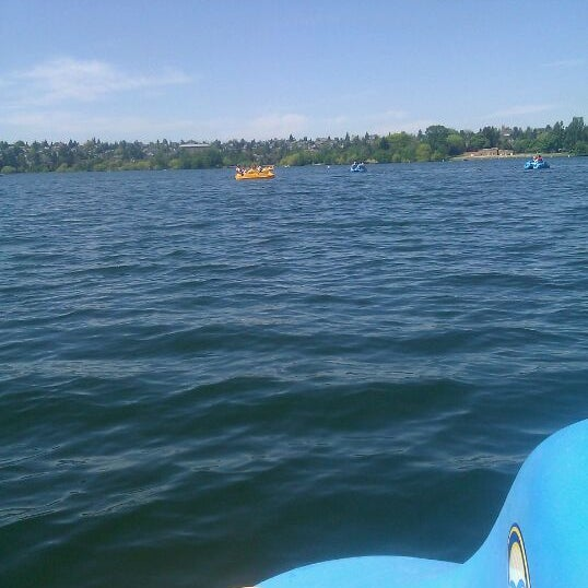 Photo taken at Green Lake Boathouse by Nicole on 5/13/2012
