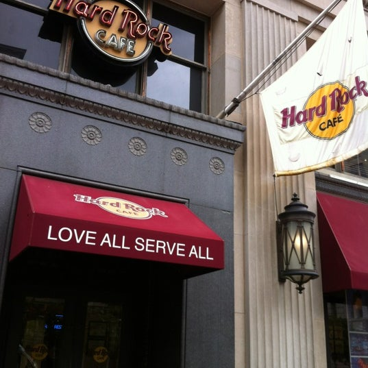 Photo taken at Hard Rock Cafe Washington DC by Maureen on 8/20/2012