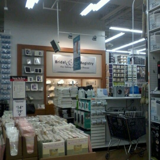 Aug 21, · For anyone on the hunt for home goods, kitchen wares, and even makeup products, Bed Bath and Beyond is a mecca of well priced goods. With a variety of brands, endless arrays of color options, and the latest and greatest in gadgets, it's no wonder this brand has only grown in popularity in the last 10 years.