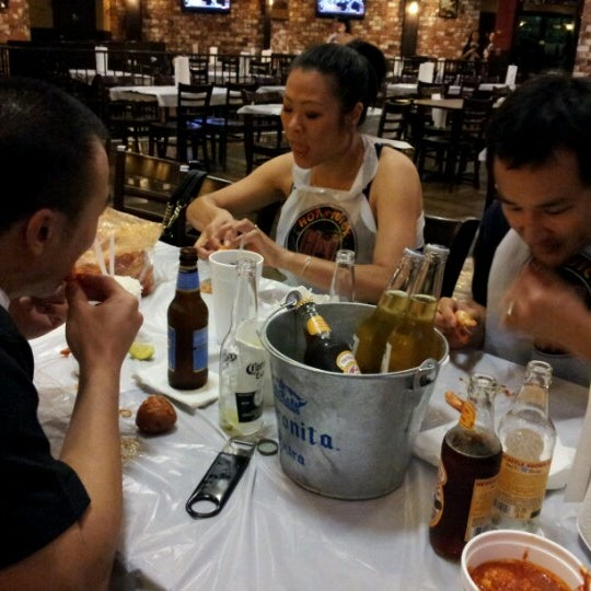 Photo taken at Hot N Juicy Crawfish by Sushi S. on 7/14/2012