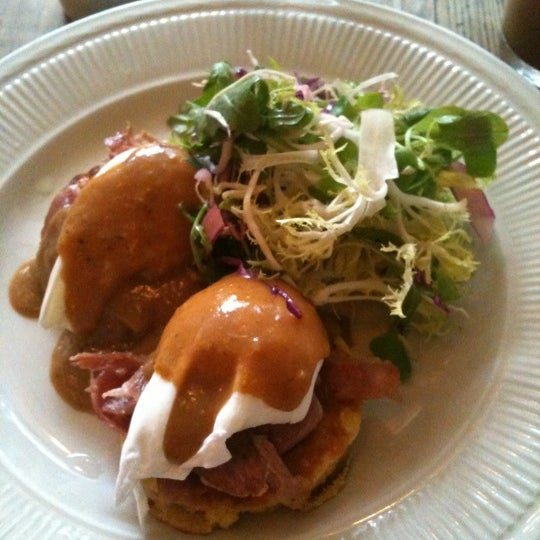 Photo taken at Vinegar Hill House by Kimberly C. on 7/23/2011