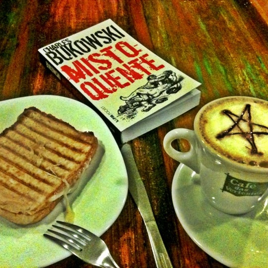 Photo taken at Café Book by Paulo Leonardo C. on 3/29/2012