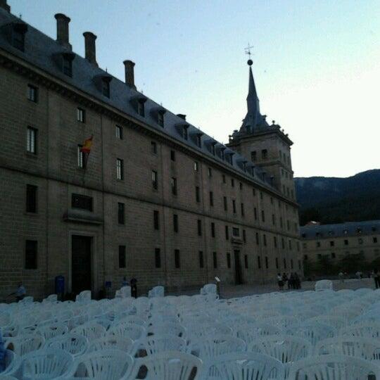 Photo taken at Monasterio de San Lorenzo de El Escorial by Ignacio José L. on 7/17/2012