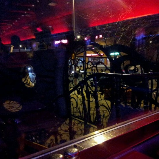 Photo taken at Silk City Diner Bar & Lounge by Lam W. on 1/9/2012
