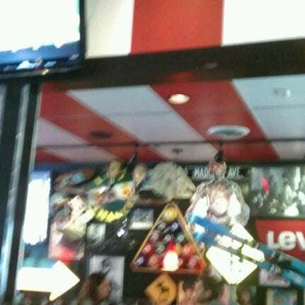 Photo taken at TGI Fridays by Gregorio N. on 7/8/2012