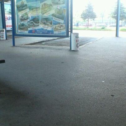 Photo taken at Autobusna stanica by Aida B. on 5/28/2012