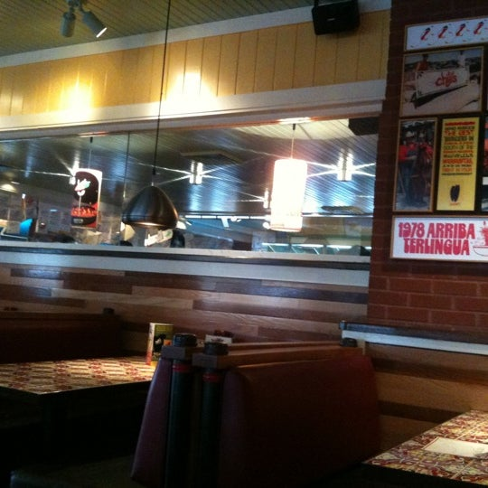 Photo taken at Chili's Grill & Bar by Cari W. on 9/14/2011
