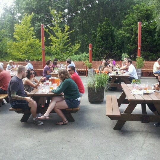 Photo taken at Redhook Brewery by Joy B. on 7/15/2012