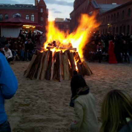 Photo taken at Kulturbrauerei by Ricardo R. on 4/8/2012
