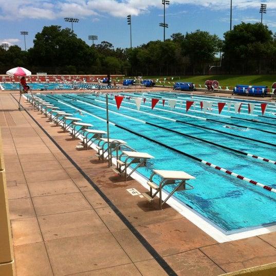 Avery Aquatic Center Stanford Ca