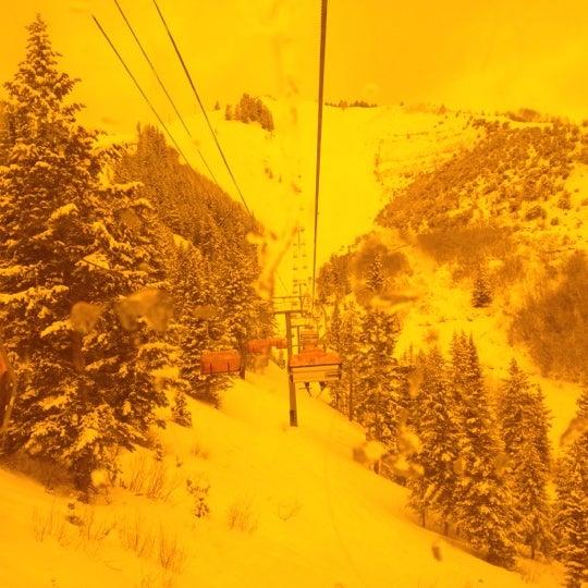 Photo taken at Orange Bubble Express by alex l. on 2/13/2012