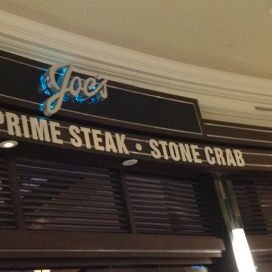 Photo prise au Joe's Seafood, Prime Steak & Stone Crab par HarlemGal -. le8/2/2012