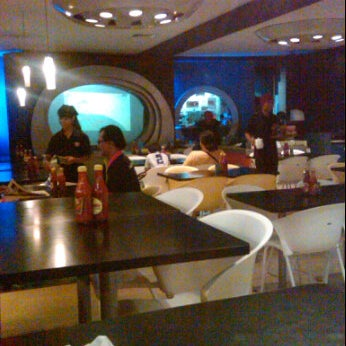 Photo taken at Hot Planet by Hafidz Y. on 6/23/2012