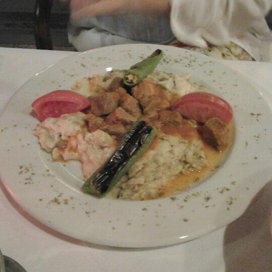 6/11/2012 tarihinde Deza K.ziyaretçi tarafından Cozy Bar&Restaurant'de çekilen fotoğraf