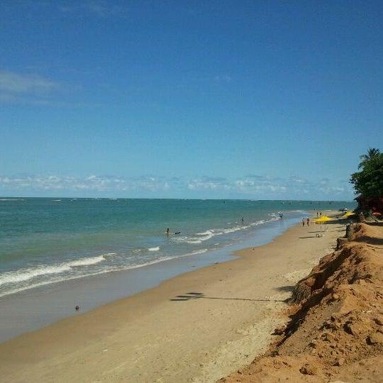 Foto tirada no(a) Praia da Garça Torta por Marcus V. em 9/21/2011