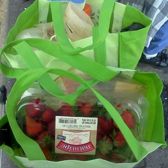 Photo taken at Stop & Shop by Jacqueline C. on 5/16/2012