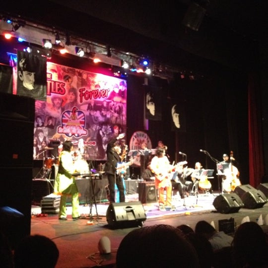 Foto tomada en Teatro Hidalgo por Arturo B. el 3/4/2012
