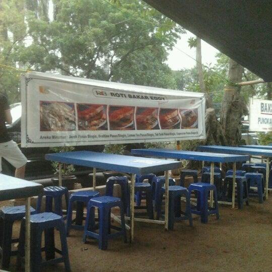 Photo taken at Roti Bakar Eddy by Endah N. on 9/13/2012