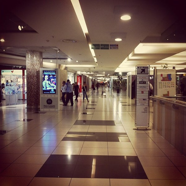 Foto scattata a Centro Commerciale Parco Leonardo da Alessandro M. il 8/29/2012