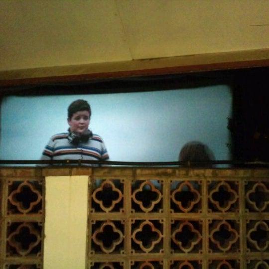 Foto tomada en Cinema Los Vergeles por Taleq s. el 8/22/2011