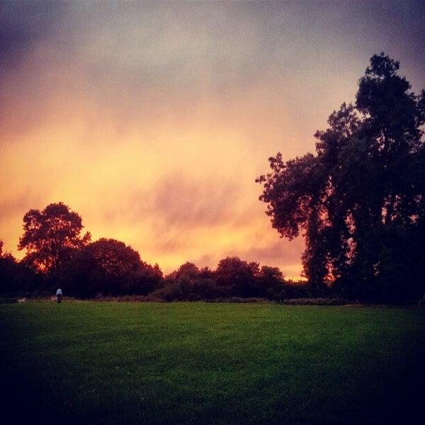9/4/2012 tarihinde Kit C.ziyaretçi tarafından Hampstead Heath'de çekilen fotoğraf