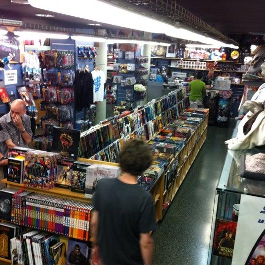 Foto tomada en Norma Cómics por Neil T. el 8/8/2012