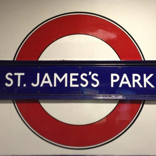 Photos At St Jamess Park London Underground Station Westminster