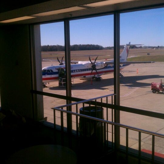 Photo taken at Shreveport Regional Airport (SHV) by Aaron J. on 1/2/2012