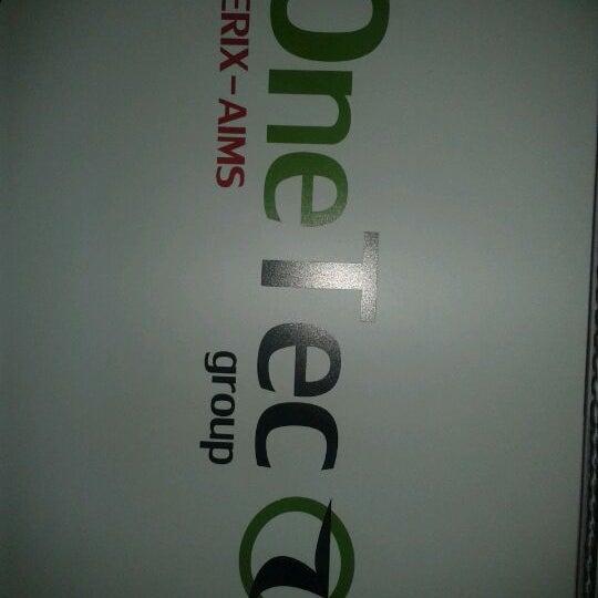 Foto diambil di OneTec oleh Jonathan D. pada 5/30/2012