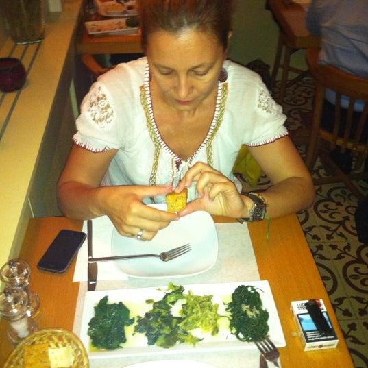 Photo taken at Sıdıka Meze Restoranı by Kerem Y. on 9/21/2011