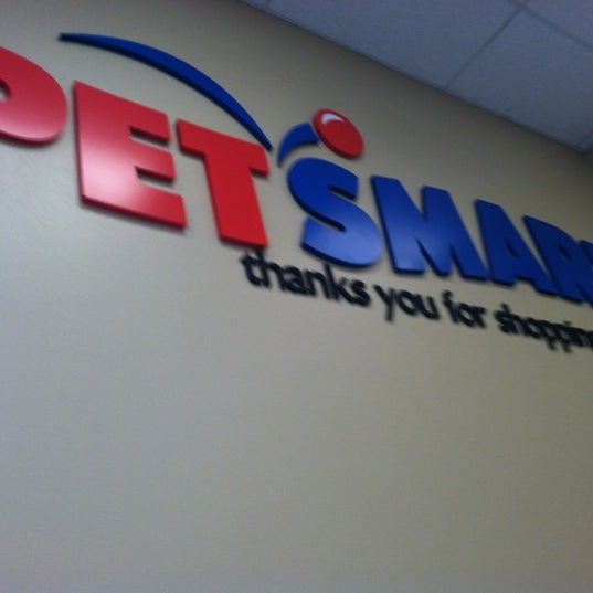 Photo taken at PetSmart by 'Mark's List Mark .. on 12/26/2011